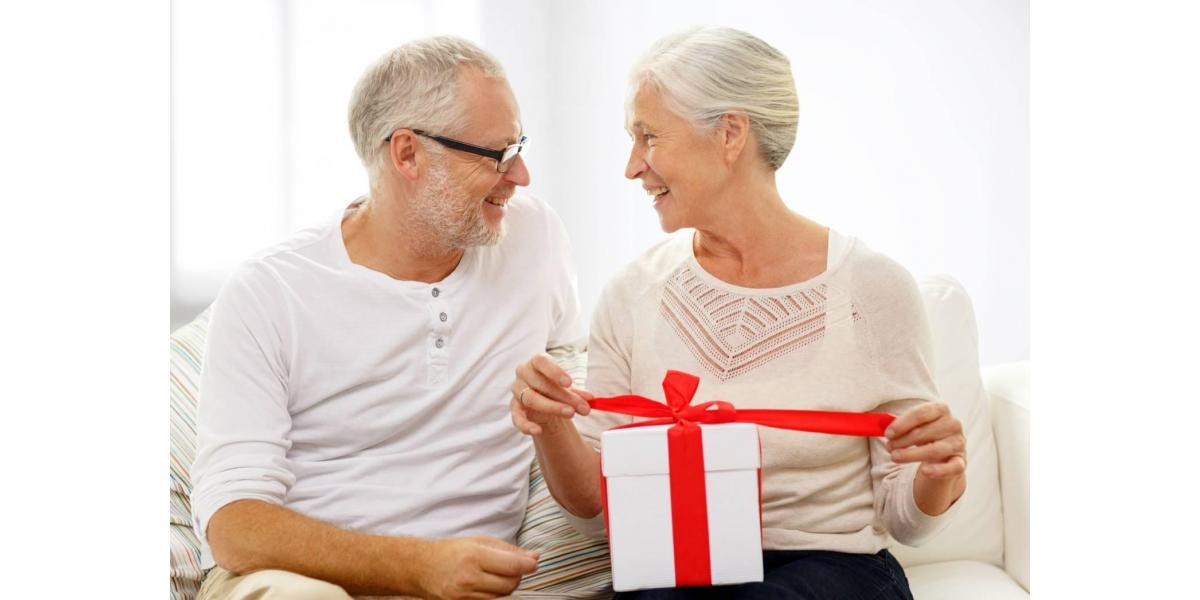 Poszukiwany prezent dla dziadków? Podaruj akcesoria skórzane!