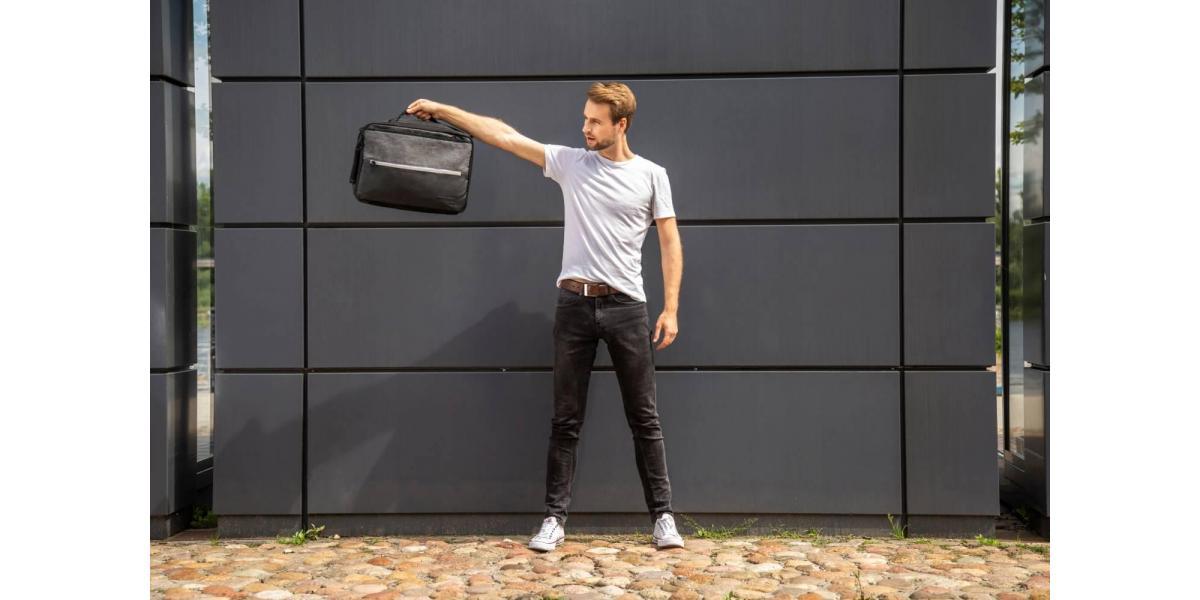 W czym nosić laptop? Torby na laptopy dopasowane do twoich potrzeb